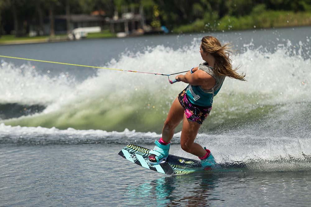 Water Ski Wakeboard 20 Minutes